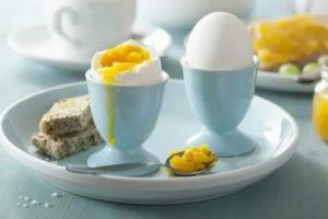 Съела испорченное яйцо всмятку, что делать?