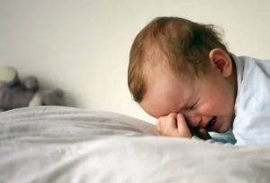 Ребенок по ночам плачет