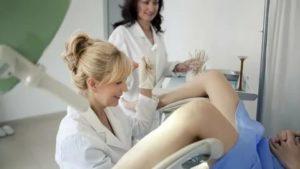 У гинеколога с мамой