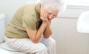 Запор у пожилого человека