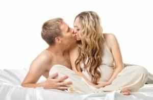 Можно ли на 8 месяце беременности заниматься сексом?