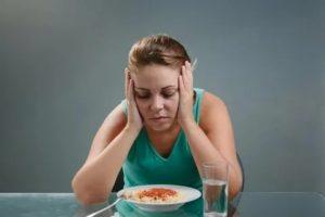 После диеты тошнит, болит и кружится голова