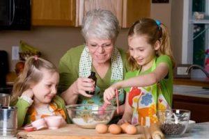 Как помочь бабушке?